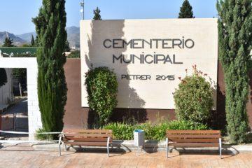Petrer es prepara per a celebrar el Dia de Tots els Sants amb un horari especial del cementeri