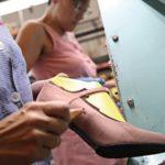 Petrer lanza un curso pionero para prevenir lesiones en el colectivo de aparadoras