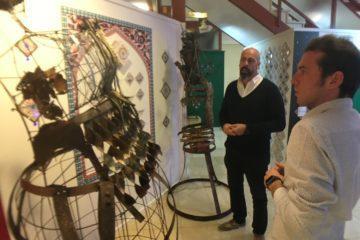 La Tourist Info de Petrer acoge una exposición del escultor Chemi Galiano