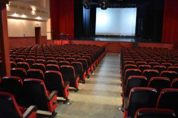 El taller municipal de teatro ofrece un espectáculo gratuito de monólogos y sketchs para acabar el año