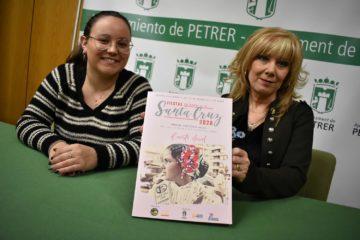 Presentada la revista de les Festes de la Santa Creu 2020 amb una picada d'ullet a les reines infantils i a la recuperació del vestit regional en la seua portada