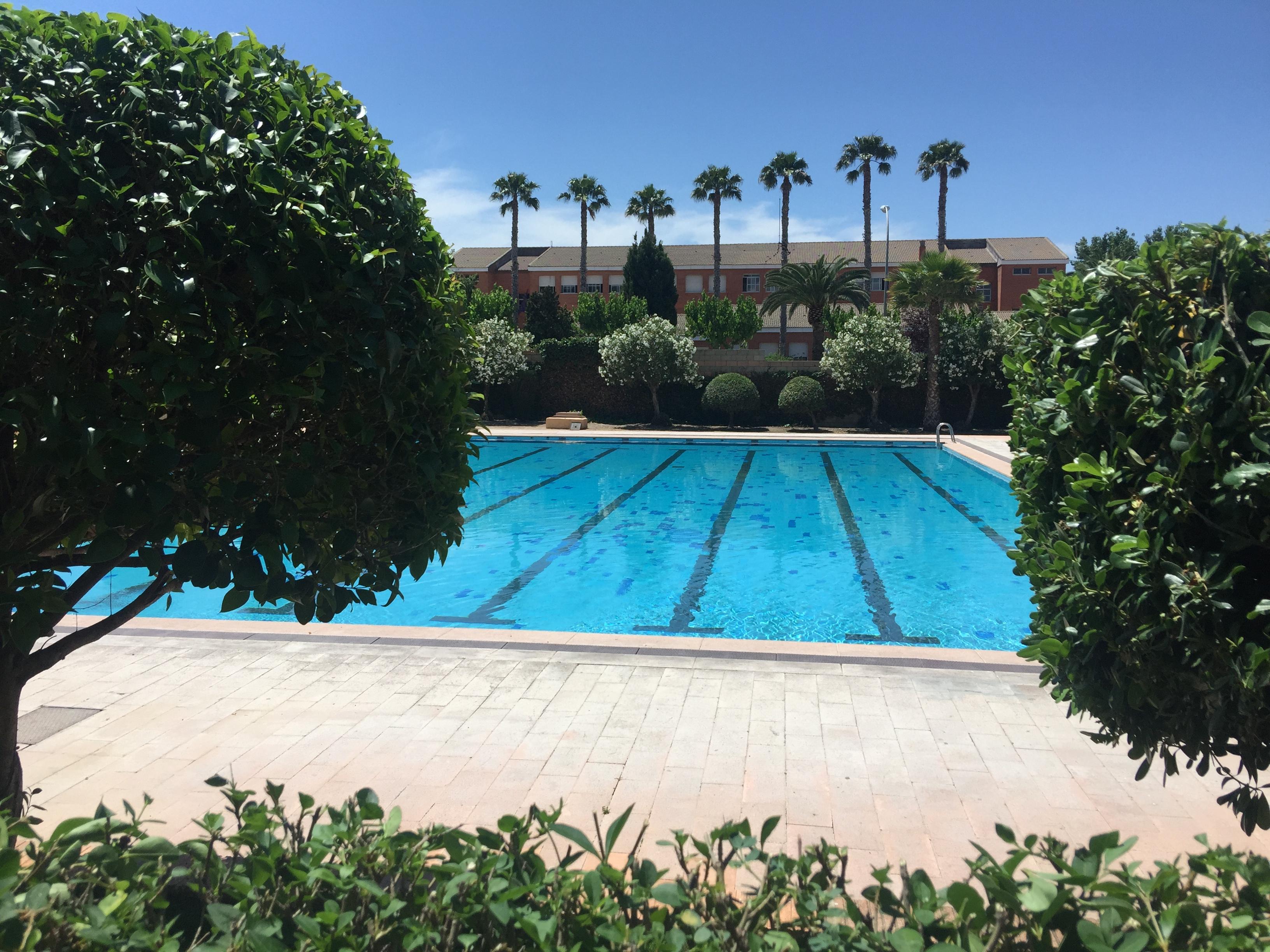 Petrer prepara les piscines d'estiu per a la seua obertura al juny amb totes les mesures de seguretat