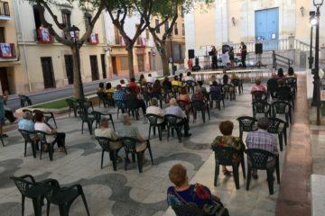 """Valoració molt positiva del primer cap de setmana de """"Cultura al carrer"""", el programa de suport a músics,  artistes i grups de Petrer"""