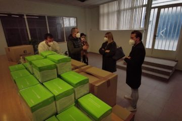El Ayuntamiento repartirá 8.000 mascarillas reutilizables entre los escolares de Petrer donadas por la empresa local Biosalud