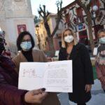 El Ayuntamiento de Petrer homenajea a la red solidaria de fabricación de mascarillas en su tarjeta de felicitación institucional