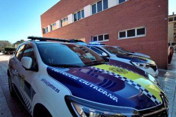 La Policía Local renueva su parque móvil con 3 nuevos vehículos dotados de desfibriladores