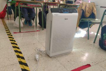 Los centros educativos de Petrer ya tienen instalados los purificadores en sus aulas