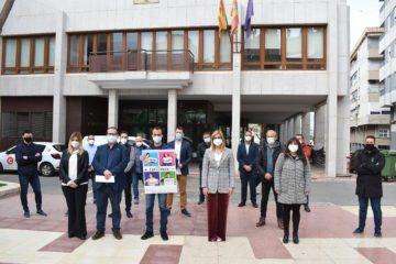 El Ayuntamiento de Petrer se suma al Día de las Enfermedades Raras iluminando de morado varios puntos significativos de la ciudad