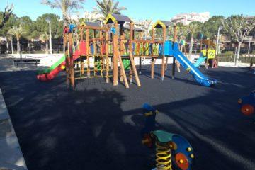 Petrer invierte 72.000€ en modernizar y mejorar  los juegos infantiles de cuatro parques públicos