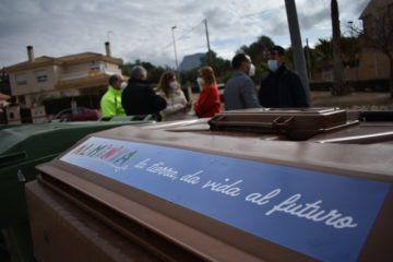 Petrer comienza a implantar el contenedor marrón de orgánica de manera progresiva en las diferentes zonas del municipio