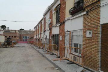 Petrer suprime barreras arquitectónicas en pasos de peatones y renueva pavimentos de aceras en más de 40 vías públicas del municipio