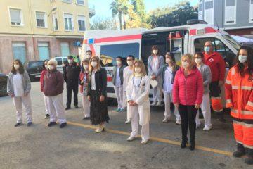 Setenta enfermos de Petrer reciben la vacuna a domicilio mediante un servicio pionero en el área de Salud