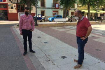 Una empresa especializada excavará la entrada al refugio antiaéreo de la plaça de Baix antes de su remodelación integral