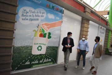 La campaña de sensibilización del contenedor marrón de orgánica llega a la galería comercial de Carrefour Petrer
