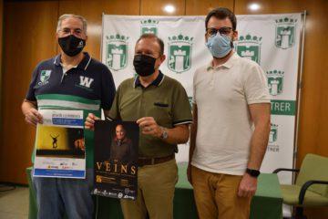 """Vicent Olmos Navarro, vicepresidente del Grup Fotogràfic de Petrer (GFP), presenta su libro """"Veïns"""""""