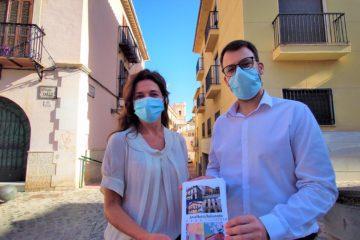 "Petrer llenará de lienzos el casco histórico en la tercera edición de ""Art al balcó"""