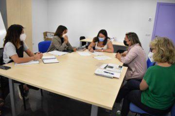 Petrer signa un acord amb la Fundació Juan Ignacio Muñoz Bastide per millorar l'atenció a les persones amb dany cerebral