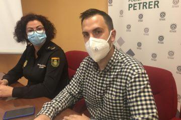 La Policia Local i Nacional posen en marxa un pla de seguretat per a protegir la població major vulnerable de Petrer